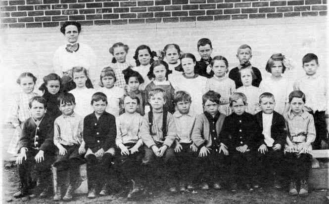 1912 School Photo of Edgartown Ohio